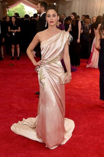 lizzy-caplan-met-gala-2015-best-dressed